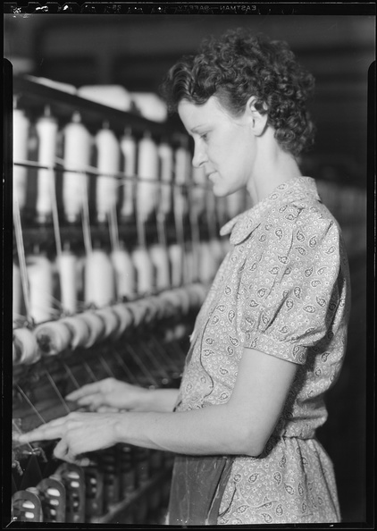 Millville,_New_Jersey_-_Textiles._Millville_Manufacturing_Co._(Woman_standing_at_bobbins.)_-_NARA_-_518674.jpg
