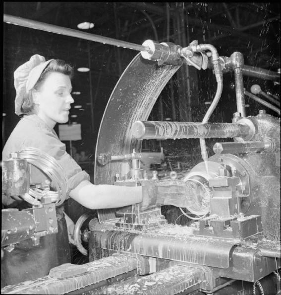 A_Merlin_Is_Made-_the_Production_of_Merlin_Engines_at_a_Rolls_Royce_Factory,_1942_D12105.jpg