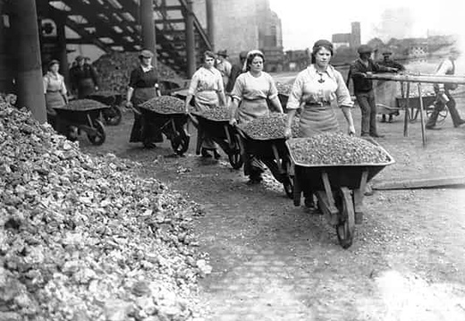 Women-Navvies-003