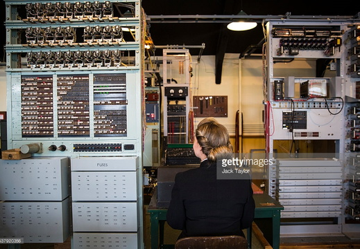 Female codebreakers reunited at Bletchley Park